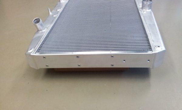 Radiateur Jaguar E-type met ventilatoren !!-310