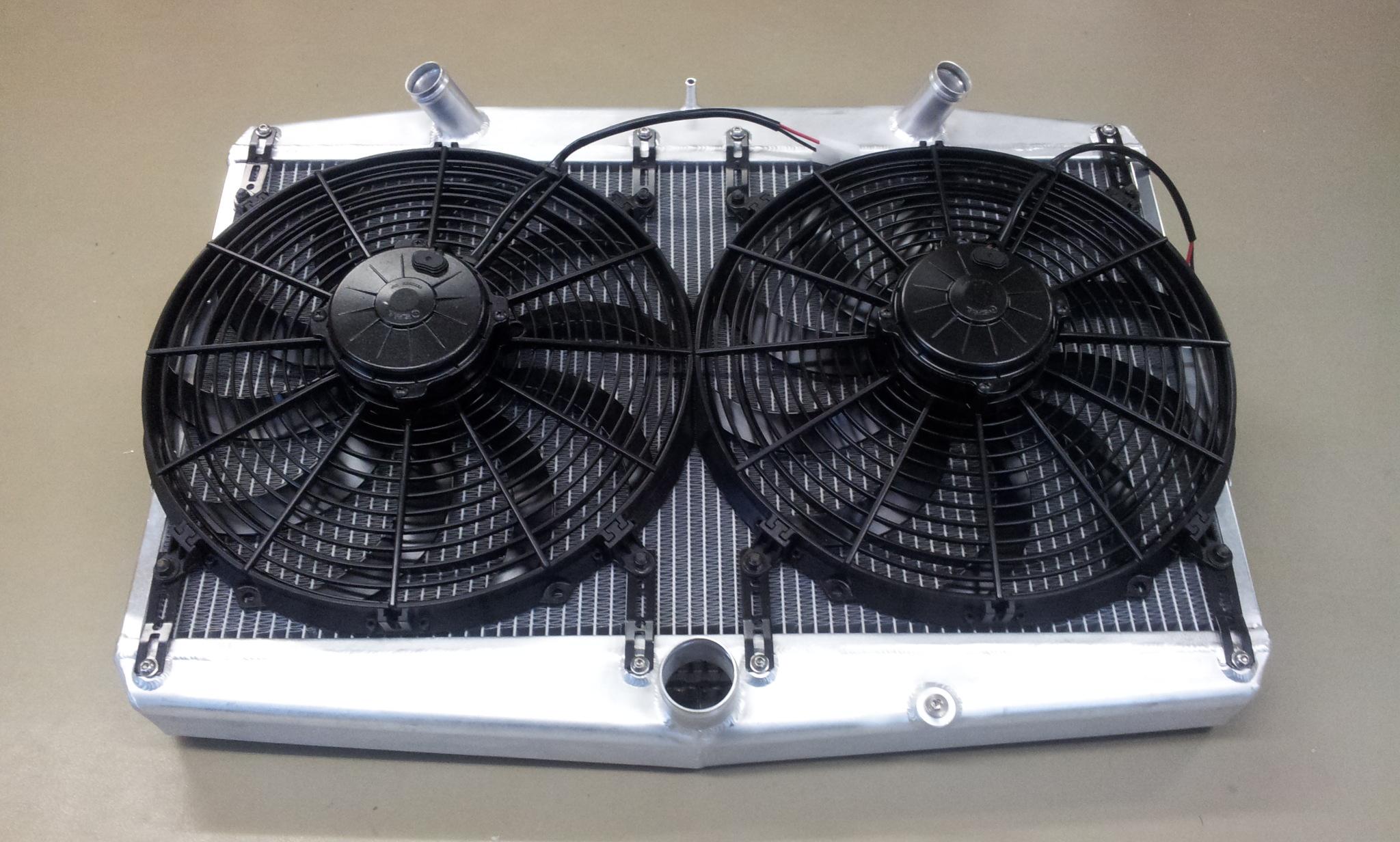 Radiateur Jaguar E-type met ventilatoren !!-0