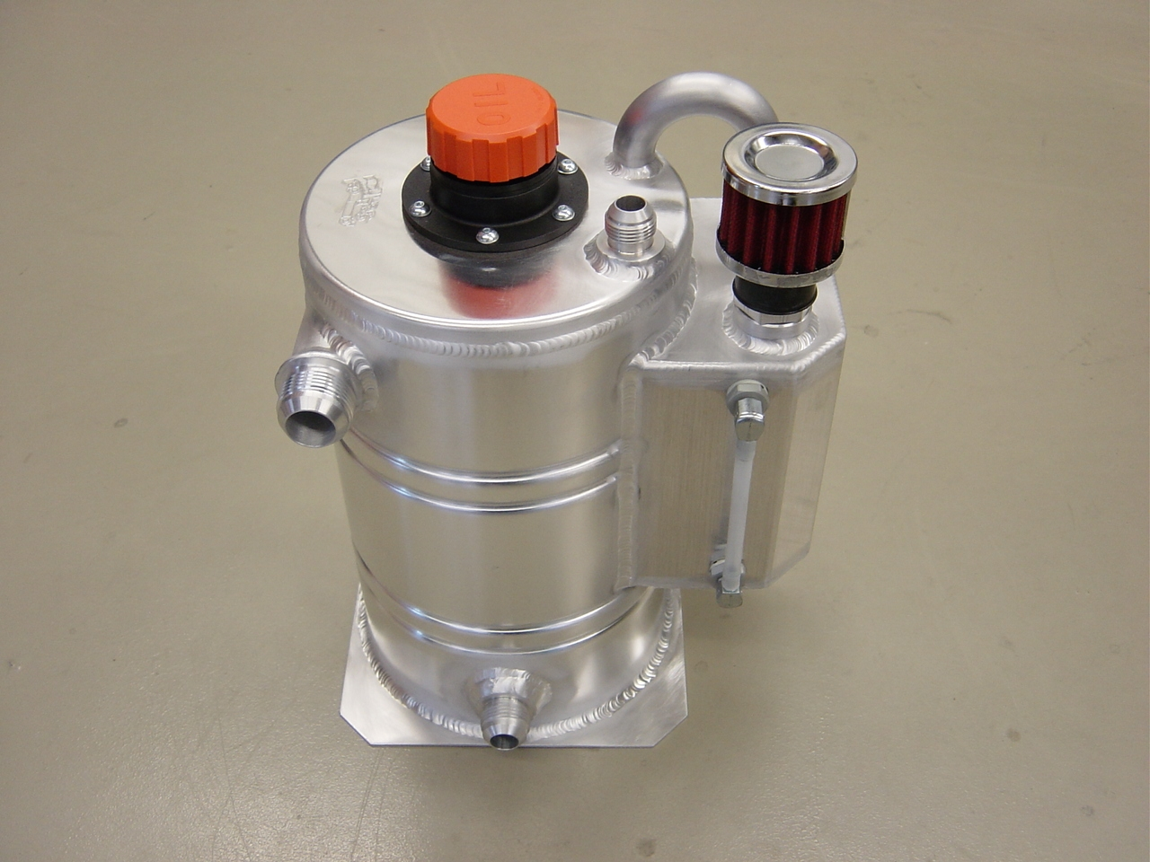 Dry-sump tank 6 liter speciaal - L - Dash 16-0