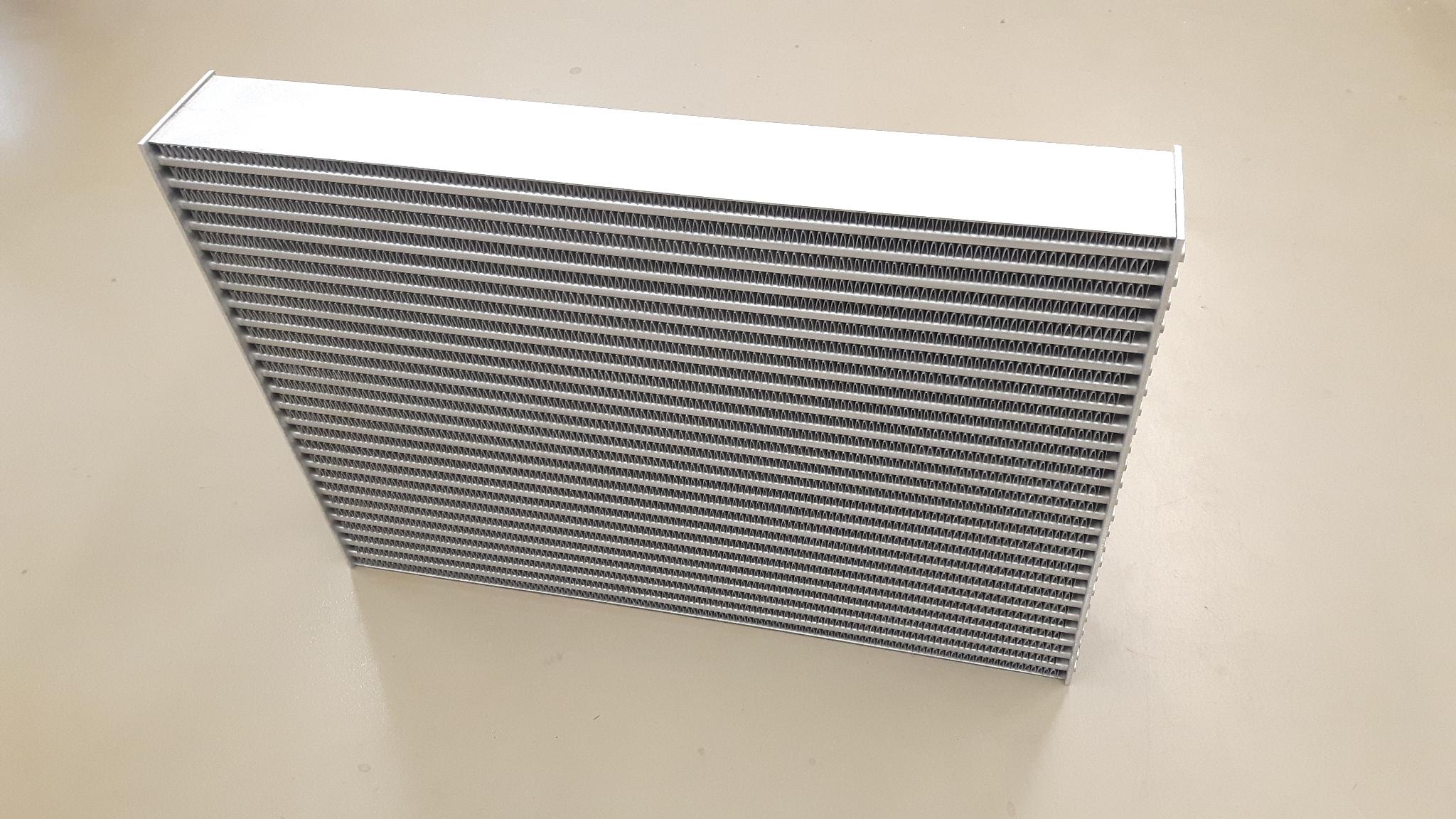 H&S speciaal intercooler koelblok 650 x 470 x 82-0