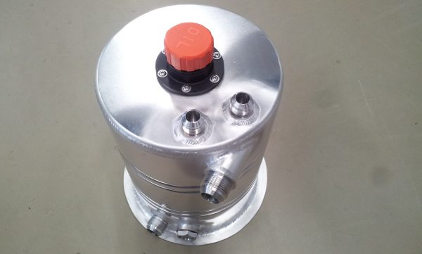 Dry-sump tank 8,5 liter speciaal - R - Dash 16-1008