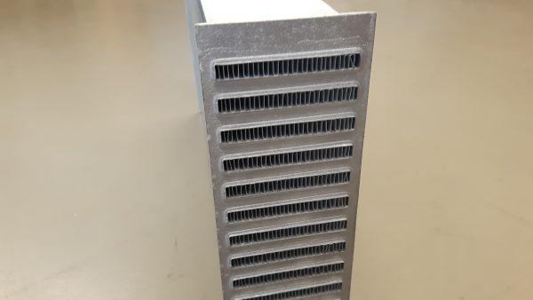 PWR intercooler blokken - lichtgewicht - interne turbulator - fin hoogte 8,1 mm-1721