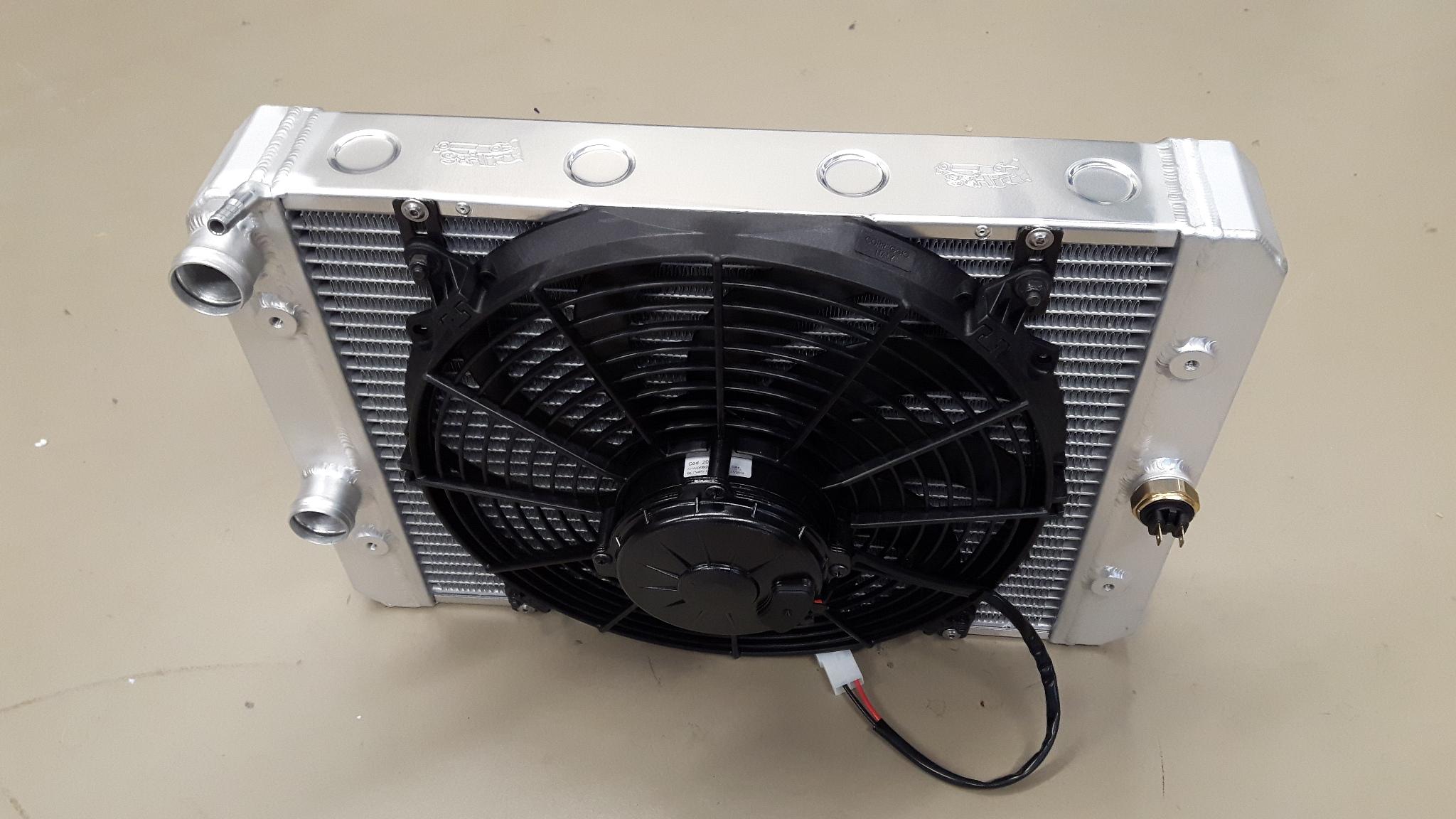 Radiateur Donkervoort speciaal met ventilator.-0