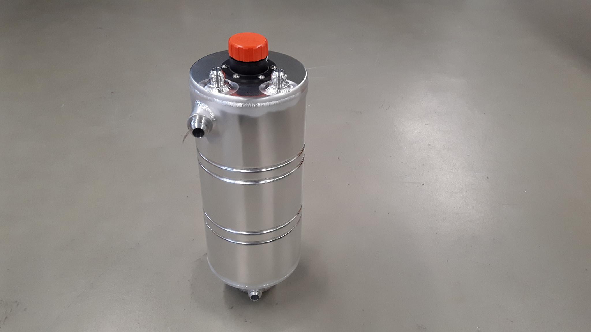 Dry-sump tank 8 liter speciaal - Dash 12-0