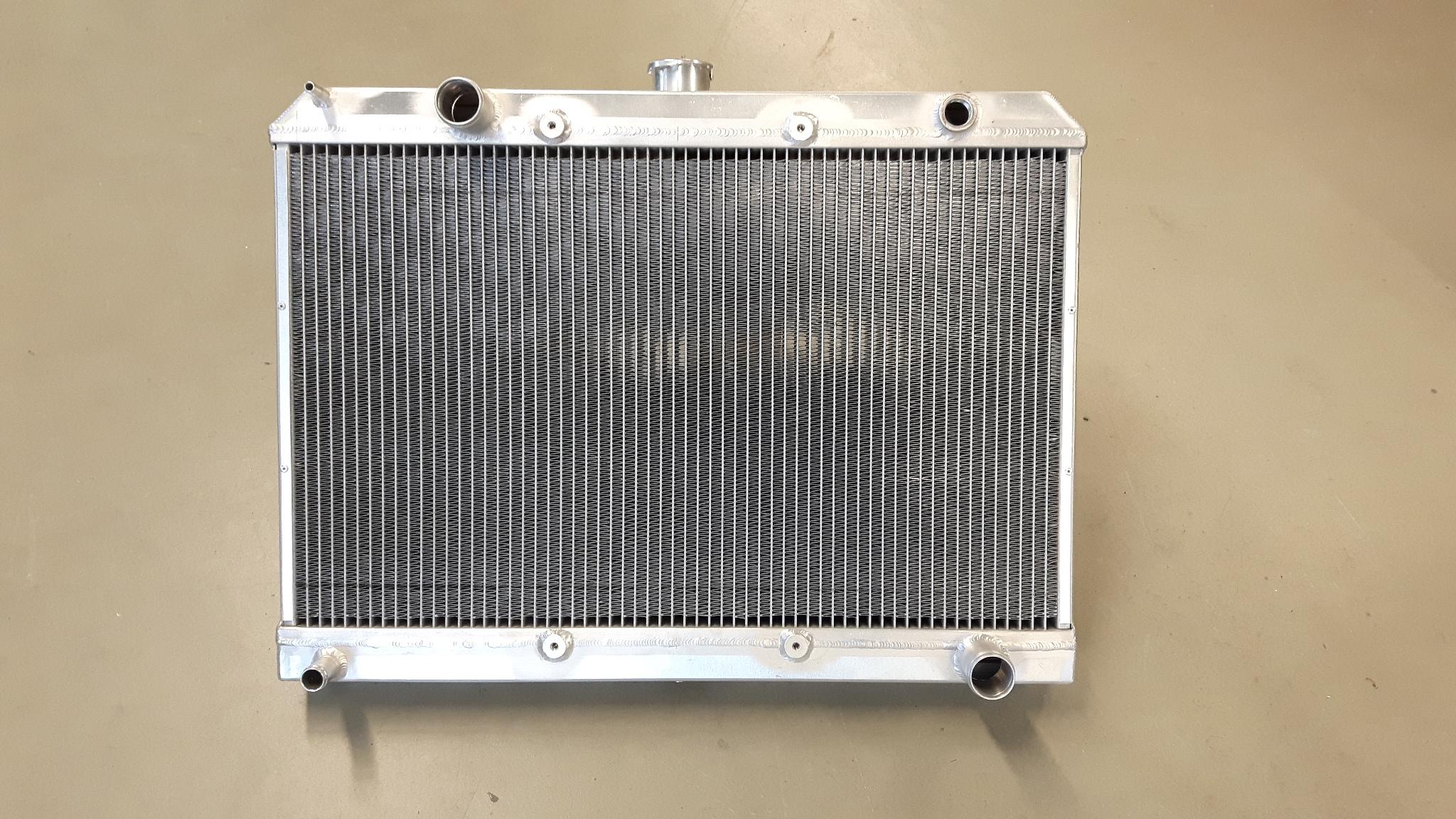 Radiateur Mercedes 280 / W114-0
